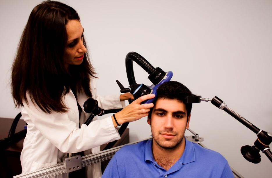 Estimulación Magnética Transcraneal, un aliado en el proceso terapéutico.