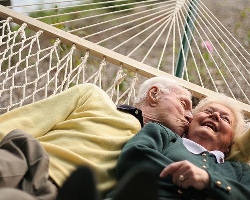 memoria y emocion en adultos