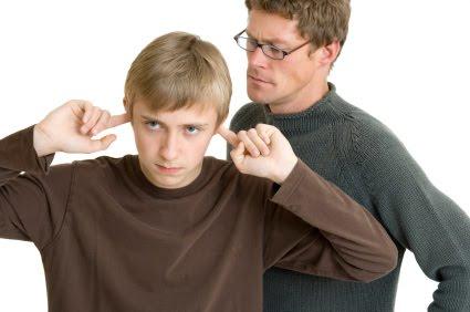 Problemas de comportamiento en el adolescente. Pautas para padres y familiares.