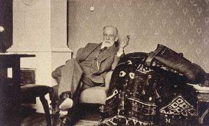 divan de psicoanalista freud