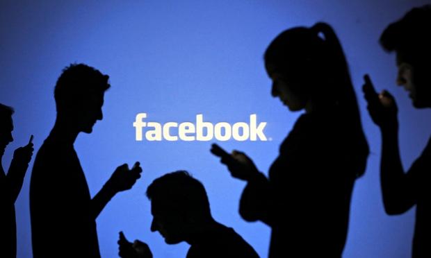 ¿Está facebook dañando las relaciones de pareja?