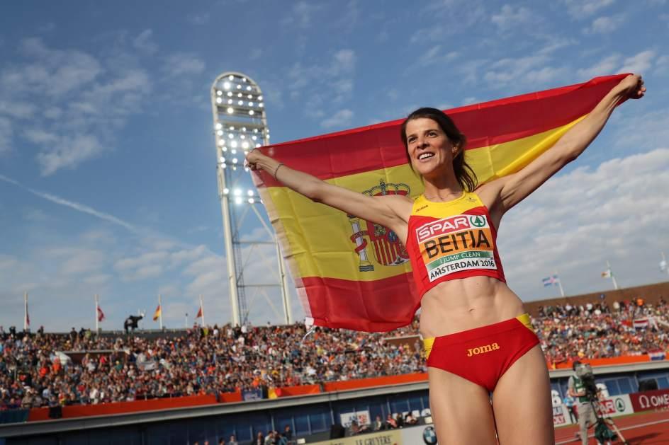 El Colegio de Psicólogos de Madrid reconoce la labor de la Olímpica Ruth Beitia