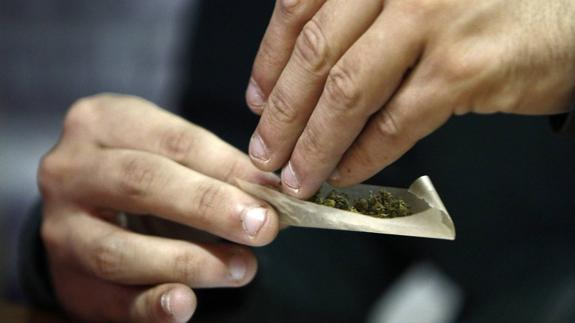 porro cannabis adolescentes
