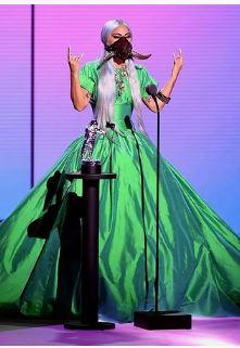 Lady Gaga habla sobre su tratamiento con antipsicóticos