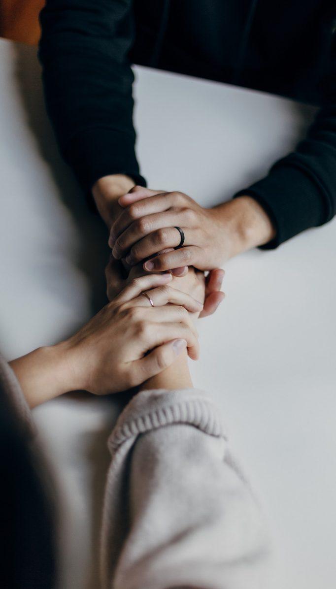 Falsos mitos sobre la terapia de pareja (explicados por una psicóloga)